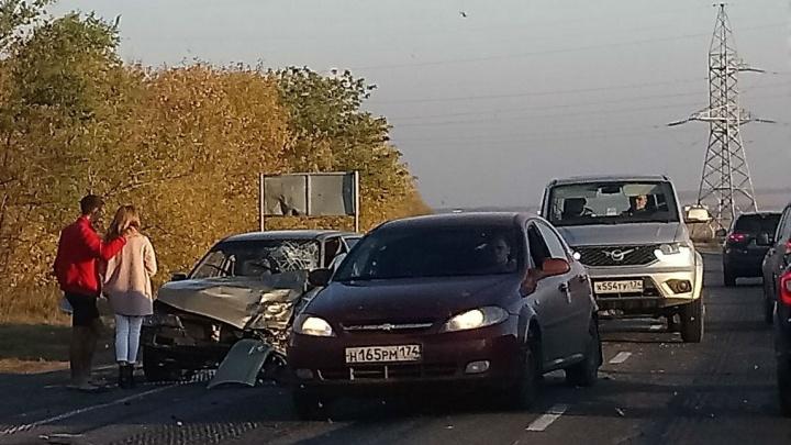 На повороте влетел в легковушку: появилось видео момента аварии на трассе в Башкирии