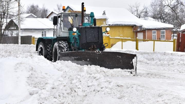 «Нужен режим ЧС»: областные депутаты не нашли в Ярославле снегоуборочных машин