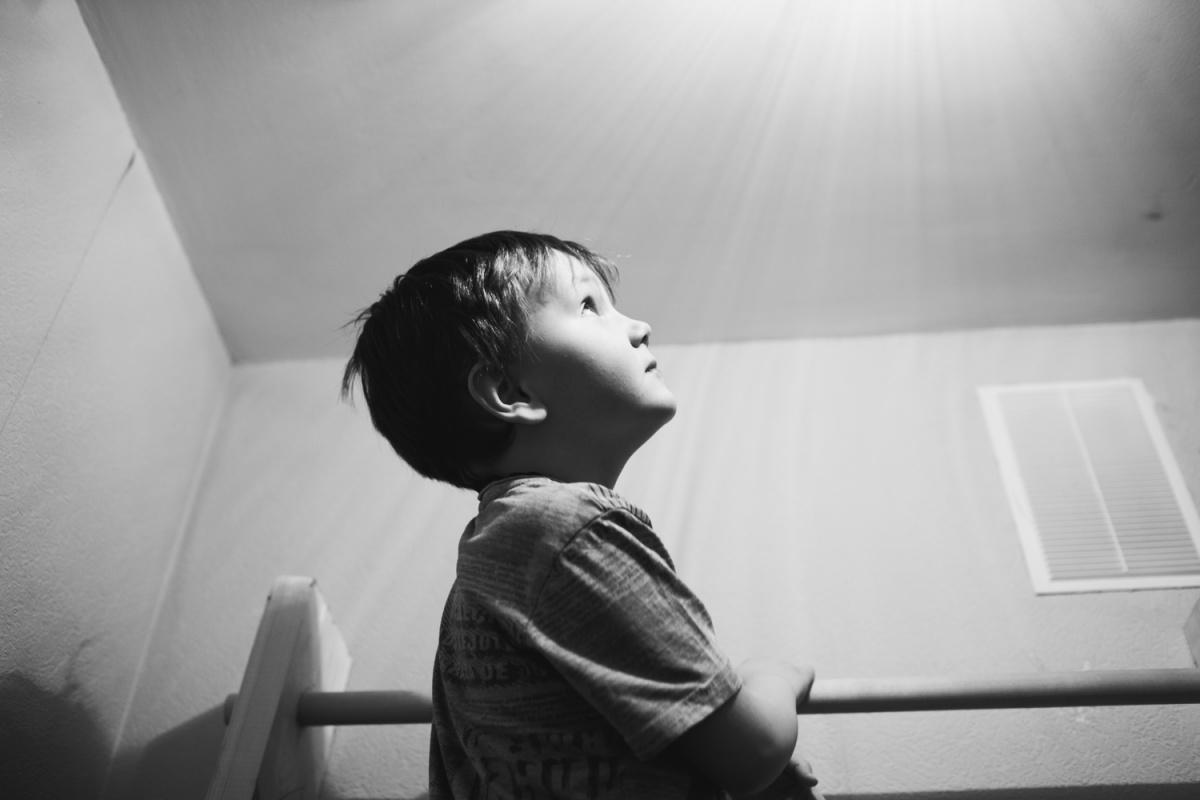 «Чувство вины будет с тобой всегда»: пять историй семей, которые воспитывают детей с аутизмом