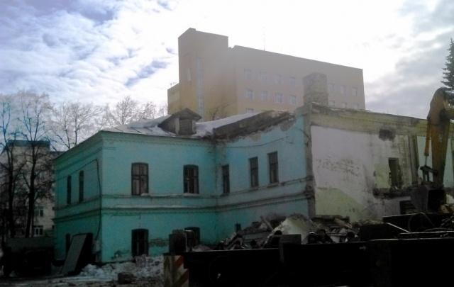 В Уфе снесли часть здания приходского училища