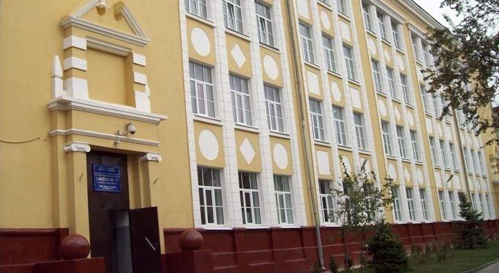 Предвыборную агитацию директора волгоградской школы проверит полиция