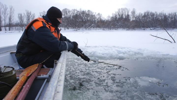 На Белой в Уфе провалился под лед мужчина, его вытащил спасатель