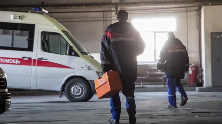 «Пришла СМС из банка — руки опускаются»: медики скорой помощи Архангельска пожаловались на зарплату