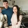 Пришли за автомобилем, а попали на праздник, или Как автодилер поздравил девушек с Восьмым марта