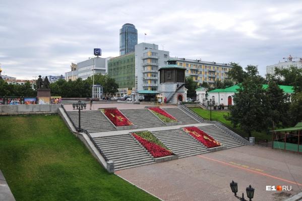 Парк развлечений откроется в Историческом сквере в полдень