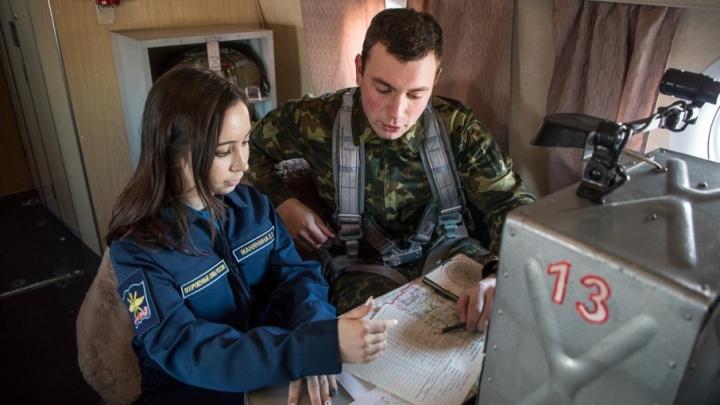 В небе и на земле: курсантов челябинского училища штурманов проверили психологи