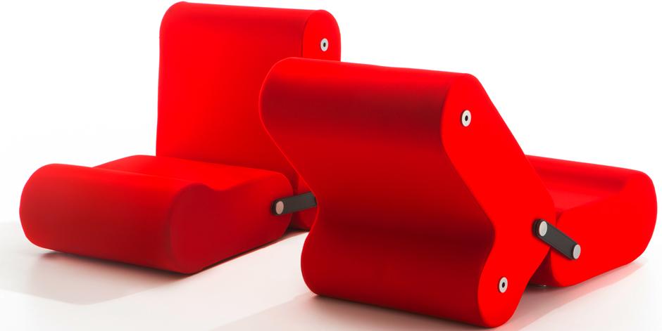 Джо Коломбо — один из дизайнеров, которые превратили трансформирующуюся мебель в мировой тренд. Егокресла Multichair 1970года стали культовыми