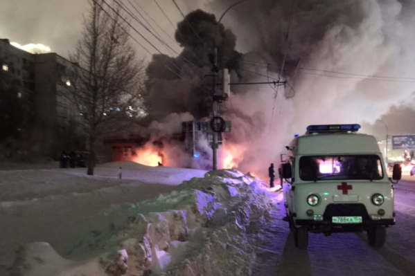Из-за пожара в округе перекрыли дорогу