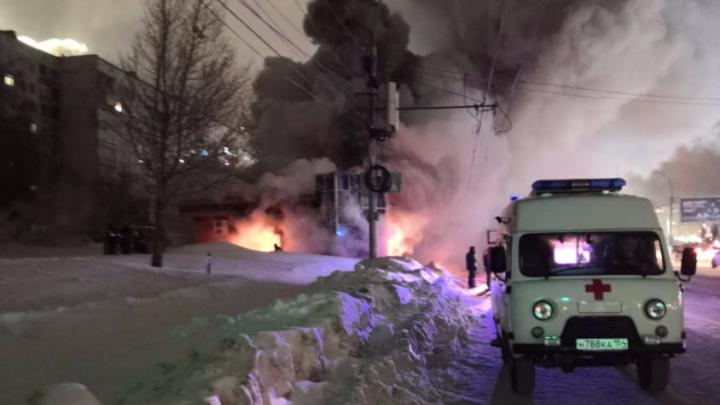 В Новосибирске загорелся похоронный дом семьи Якушиных на Фрунзе