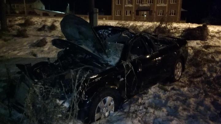 """""""Стало скучно"""": пьяный парень на Hyundai влетел в опору ЛЭП под Ирбитом"""