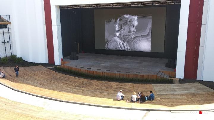 «Римские каникулы», «Унесенные ветром» и «Касабланка»: в Зеленом театре в мае покажут классику кино