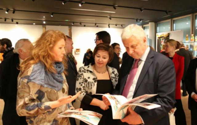 Башкирские сувениры представили на выставке во Франции