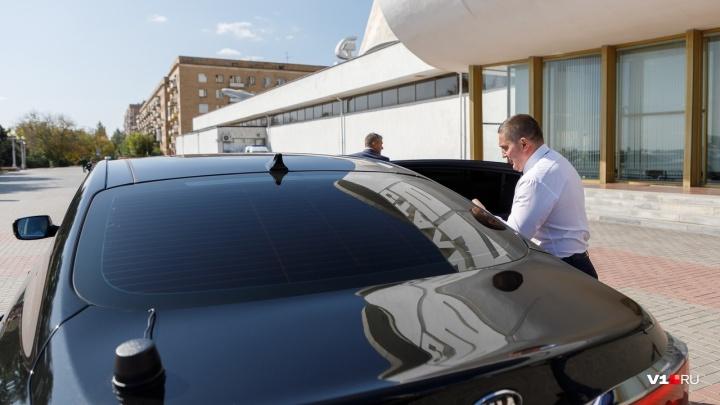 В Волгограде полицейские заучили ПДД после поездки с губернатором на красный с превышением скорости