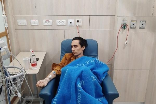Марсель, несмотря на свое тяжелое положение, ведет блог, где рассказывает про свою борьбу с раком