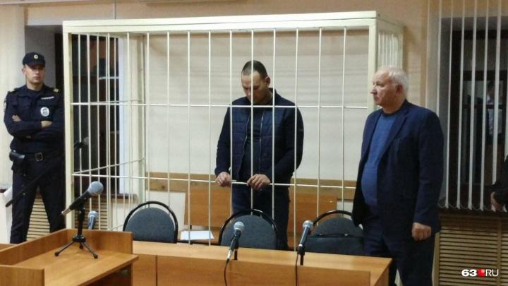 В Самаре суд отказался выпускать на свободу сотрудника ГИБДД, который получал взятку щебнем