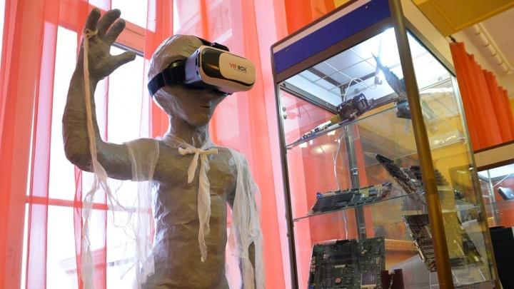 """Игры в """"Марио"""" на """"пузатых"""" мониторах: вспоминаем времена без ноутбуков на выставке ретро-компьютеров и игр"""
