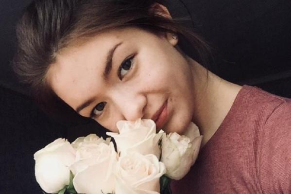 Юная Анастасия Мантуло сейчас находится дома под наблюдением родных