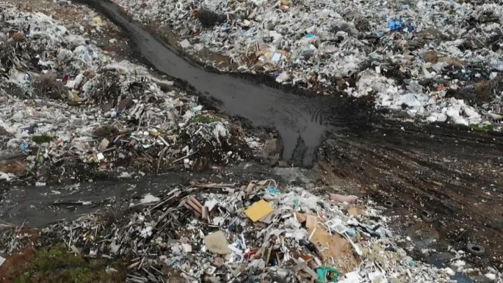 Рядом — стратегические запасы пресной воды: в Башкирии нашли несанкционированную свалку
