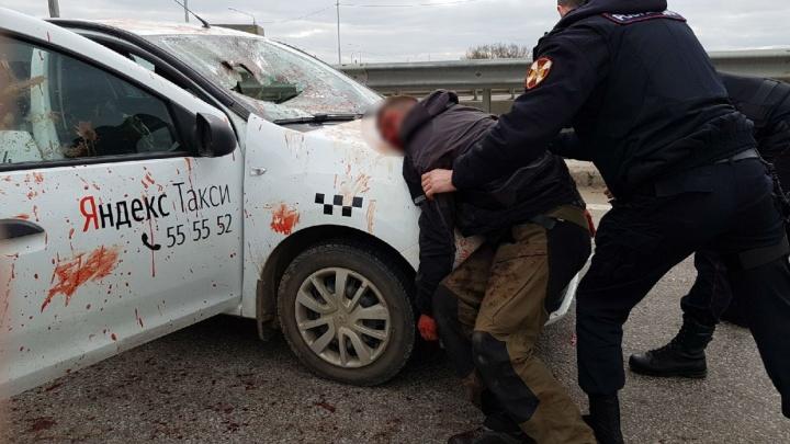 В сервисе «Яндекс.Такси» рассказали, что сейчас с водителем, которого порезал пассажир