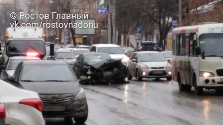 Четыре человека пострадали в ДТП на улице Красноармейской в Ростове