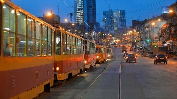 На чем уехать после салюта? Рассказываем, где 9 Мая горожан будут ждать трамваи и троллейбусы