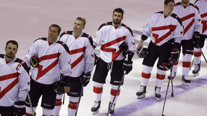Зарплаты хоккеистов омского «Авангарда» выросли в два раза
