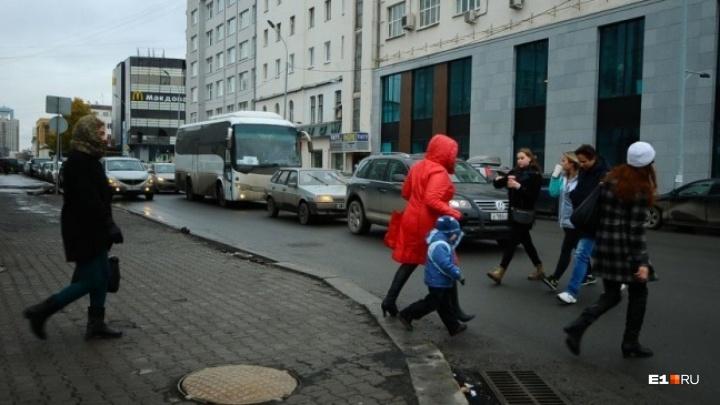 Мэрия рассказала, когда поставит светофор на проблемном перекрестке Ленина — Толмачева