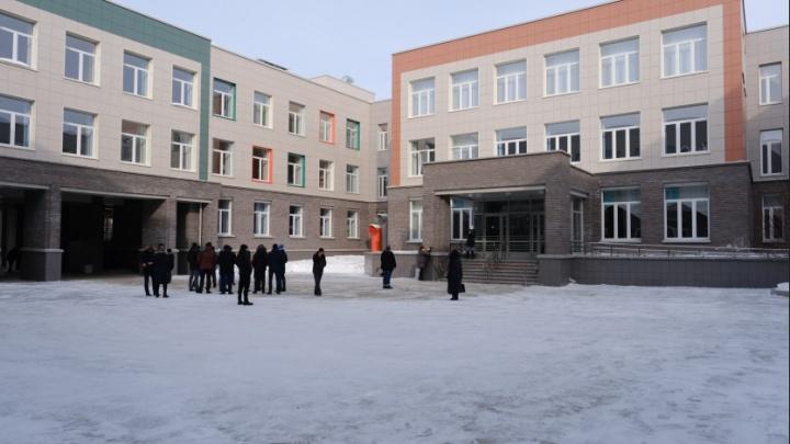 Под Новосибирском построили IT-лицей с тиром, бассейном и беговыми дорожками