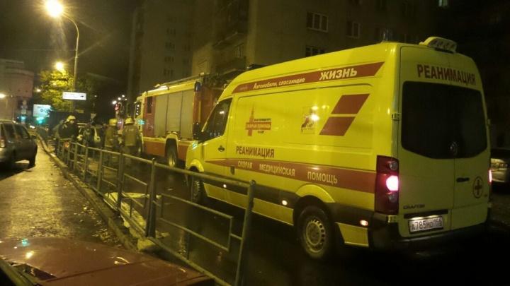На Уралмаше эвакуировали жилой дом из-за сообщения о бомбе