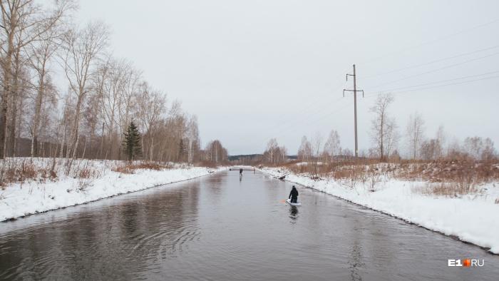 Ребята сплавлялись по участку реки,который подогревается Верхне-Тагильской ГРЭС