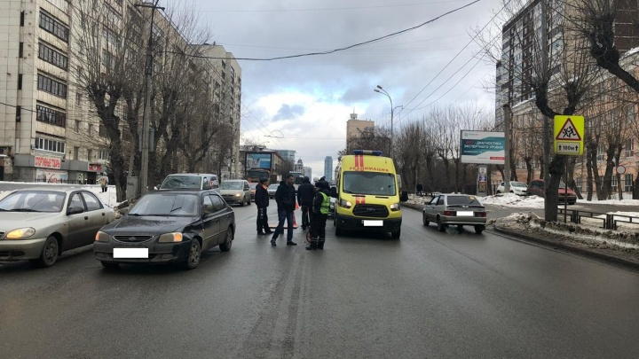 На улице Белинского водитель Hyundai сбил девочку-подростка