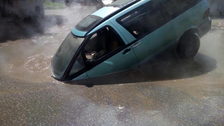 Чтобы машины не проваливались: завтра в районе Кемеровской отключат воду
