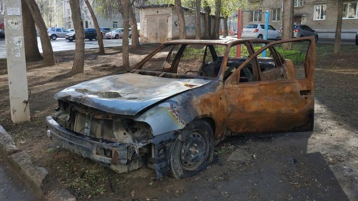 Эвакуировать и утилизировать: власти Башкирии стали бороться с бесхозными автомобилями