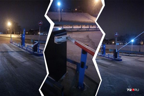 Вот последствия поломки на парковке тюменской набережной