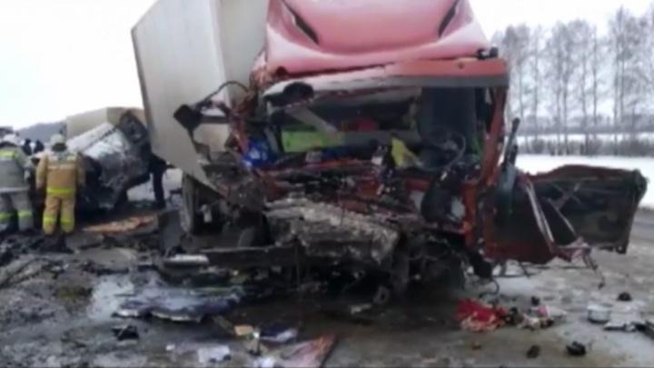 «Возможно, волгоградцы»: шестеро сгорело заживо в жутком ДТП на трассе под Тамбовом