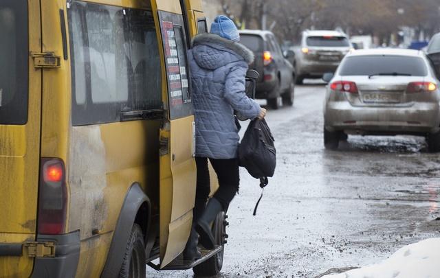 В Уфе водители маршрутки высаживают пассажиров, не доезжая до конечной