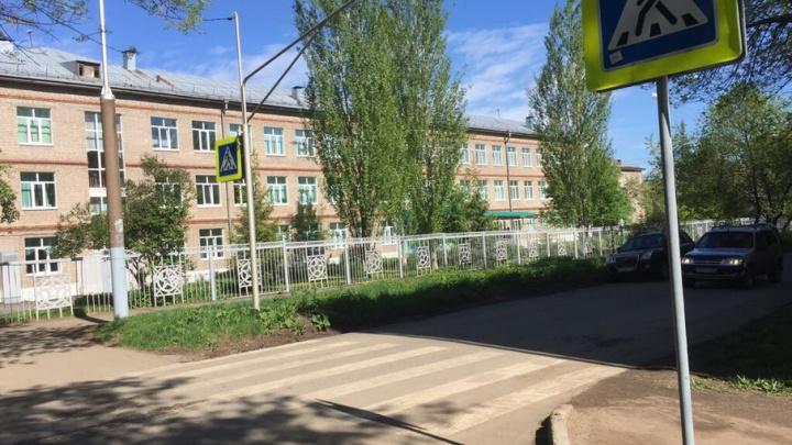 В Уфе перед началом учебного года проверят дорожные знаки перед школами