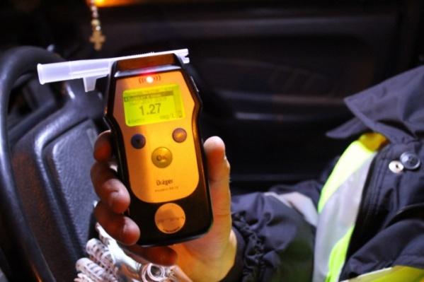 Очевидцы убеждены, что водитель был пьяным: за рулем он выпивал пиво