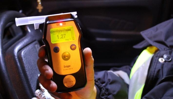 Житель Солнечного заметил пьяного водителя и сдал его инспекторам ГИБДД