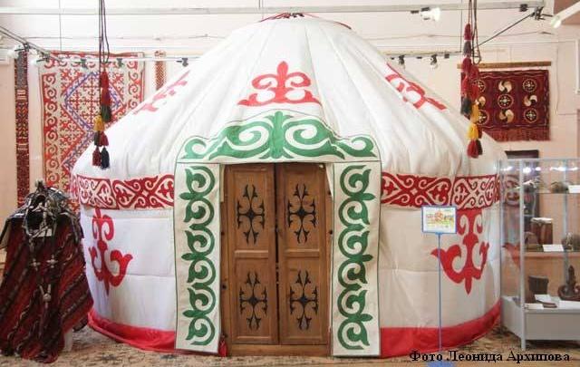 В Курганском областном художественном музее раскинулись юрты