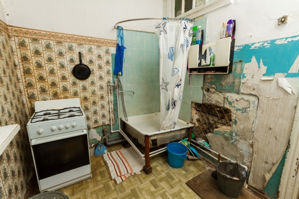 После некоторых квартирантов квартира выглядит так, что в ней хочется сделать капитальный ремонт