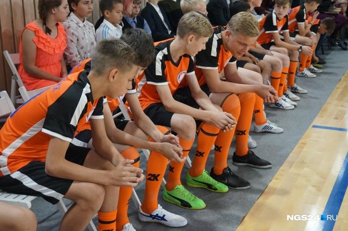 Спорткомлпес был построен для футболистов из красноярского детского дома