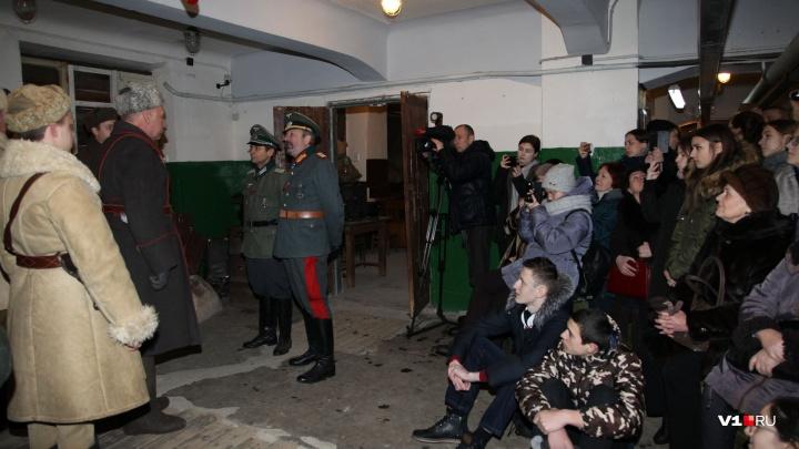 «Покажем генерала и раненых солдат»: в подвале волгоградского ЦУМа шесть раз подряд пленят Паулюса