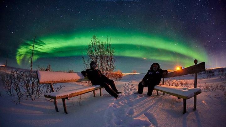 Фотограф сделал безумно красивые снимки полярного неба на севере края
