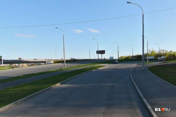 Жители ВИЗа считают, что движение по этой дороге должно регулироваться
