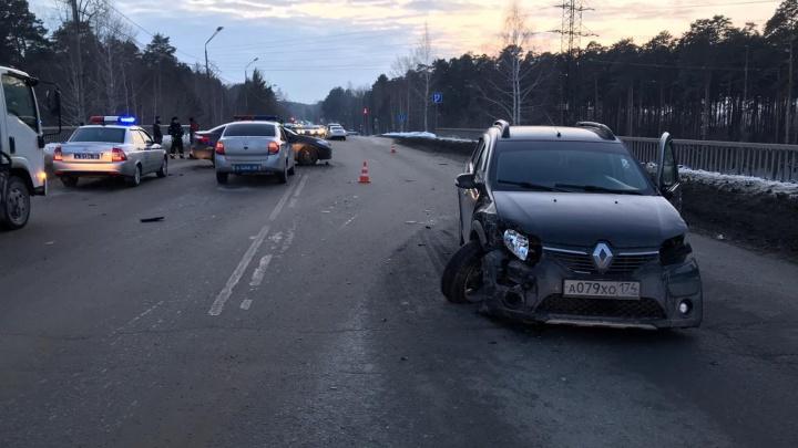 На Березовском тракте пьяный водитель протаранил две встречные машины