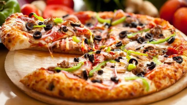 Радиослушателям программы «Новосибирск—главный» привозят вкусную пиццу