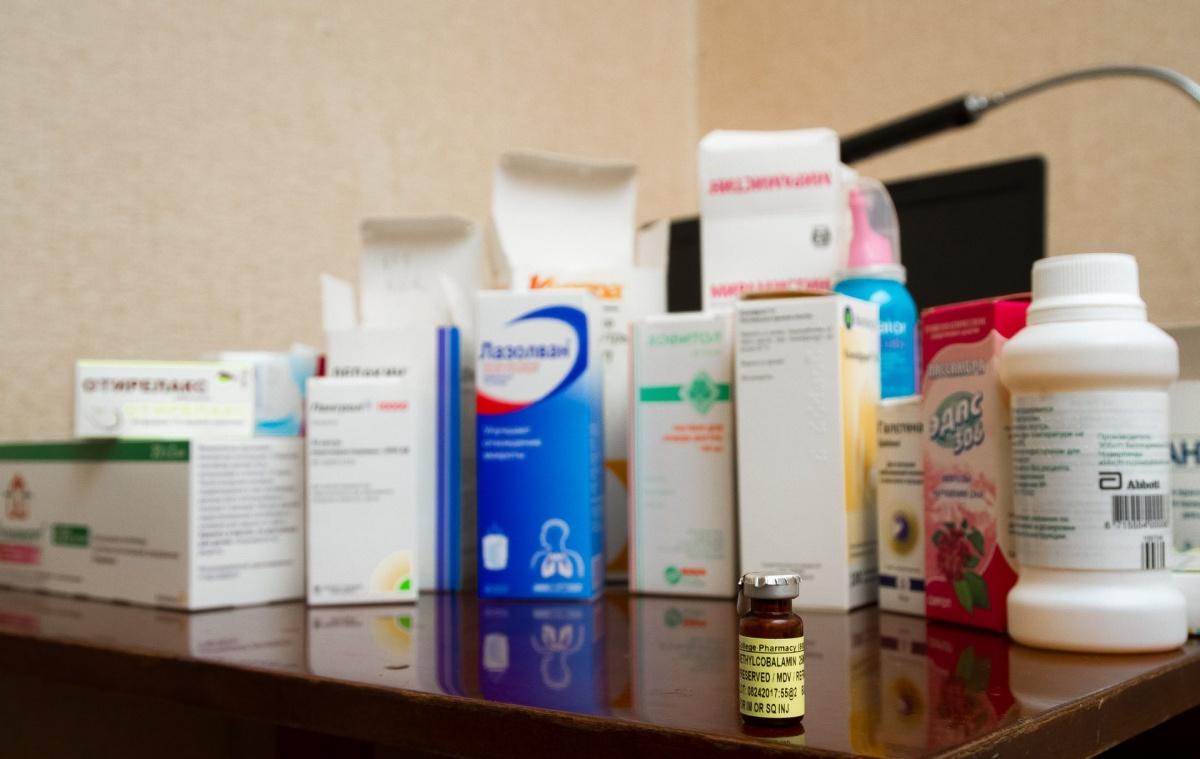 Если вы используете медицинские препараты регулярно, убедитесь, что они не содержат веществ, запрещающих вождение