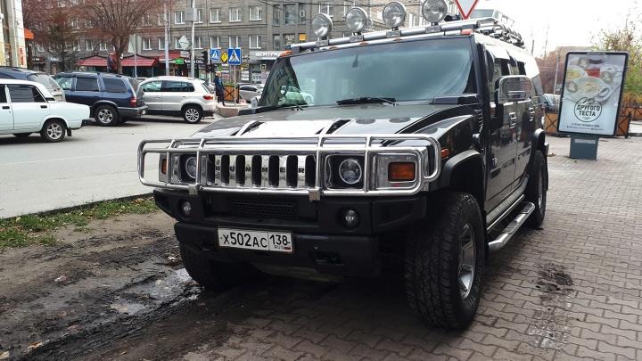 «Я паркуюсь как чудак»: Hummer унизил Новосибирск