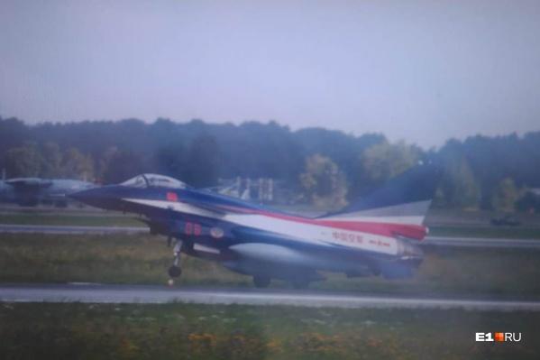 Один из наших читателей успел сфотографировать один из самолётов